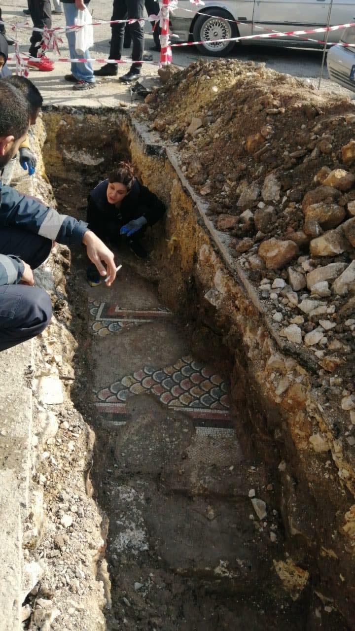 اكتشاف فسيفساء رومانية أمام بلدية بعلبك